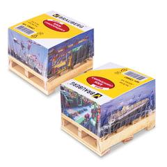 """Блок самоклеящийся (стикер), BRAUBERG, 76х76 мм, 400 л., белый, дизайн """"контейнер"""", на деревянной подставке"""